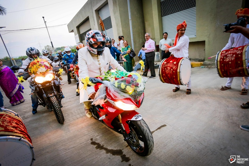 groom entry on bike