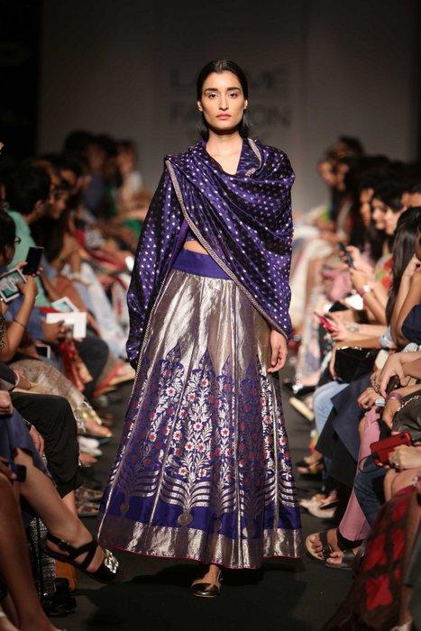 Trending : Handloom Silk Lehengas in Banarsi and Kanjivaram