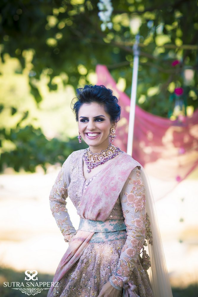 Floral Band Baaja Bride shoot by Sutra Snapperz ...