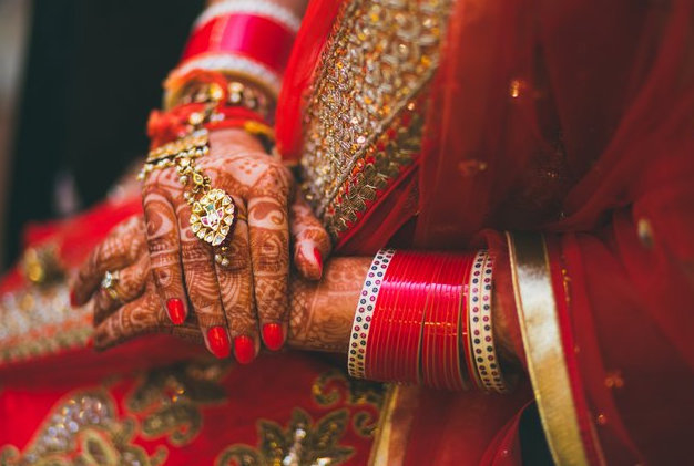 Chura From The Eyes Of A Frustrated New Bride