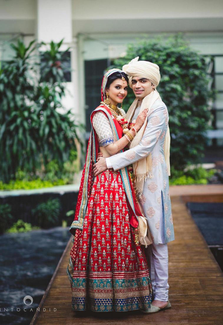 Vibrant Mumbai Wedding At Sahara Star