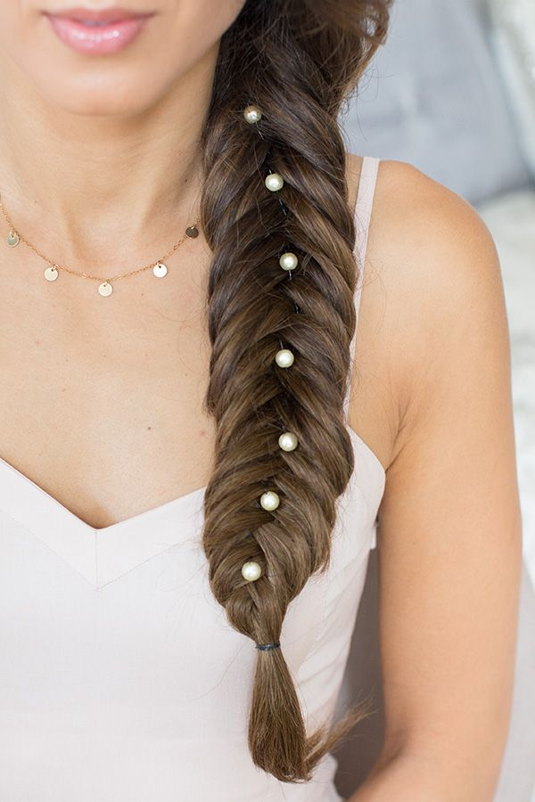 How To Wear Pearls In Your Wedding Hair Wedmegood