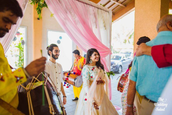 Ishita & Nikunj, Rustic Indian wedding, vintage decor, radisson blu alibaug, The wedding salad-23