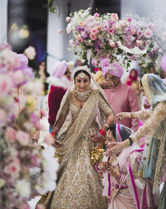 Inside Actress Amrita Puri S Dreamy Summer Garden Wedding