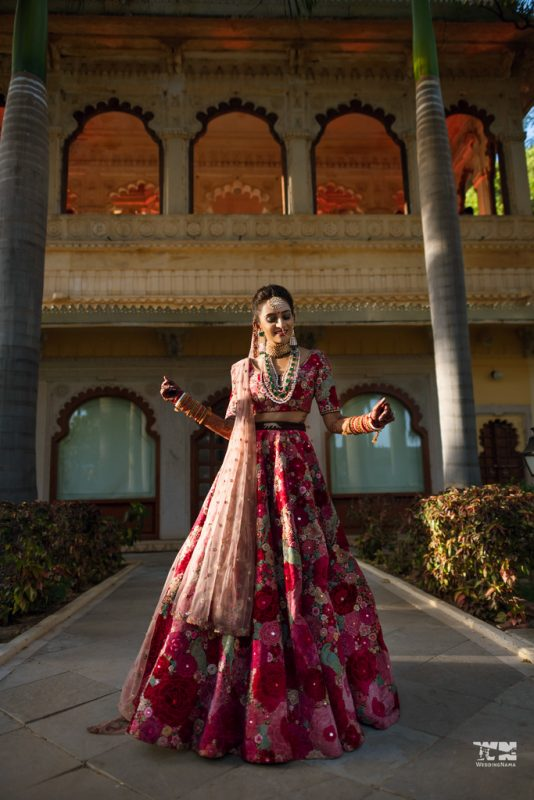 efc7c65f5c A Dreamy & Elegant Udaipur Wedding With The Bride In The Most Stunning  Outfits